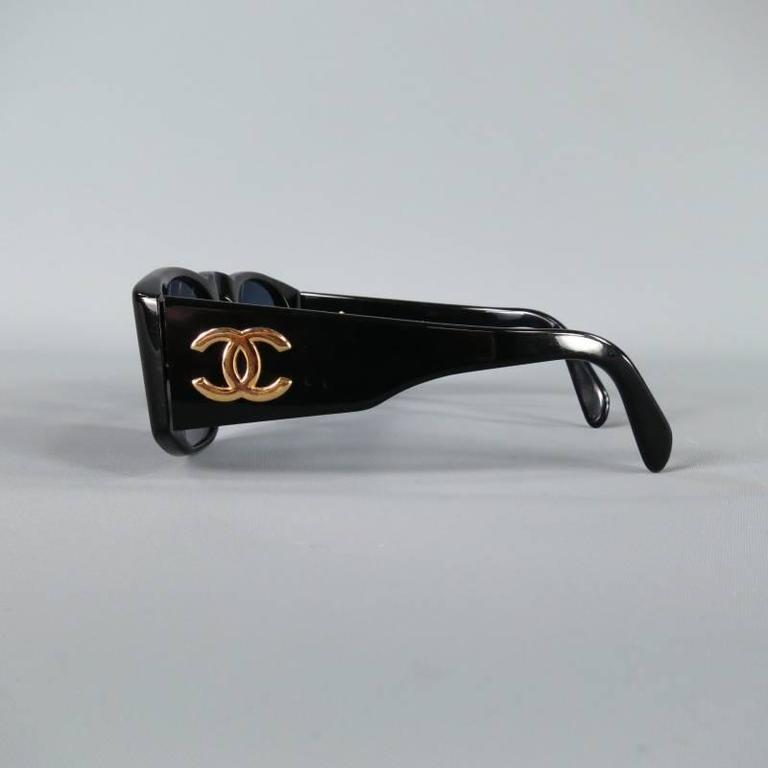 097b1441787285 Vintage CHANEL Black Acetate Gold CC Logo 01451 Sunglasses In Excellent  Condition For Sale In San