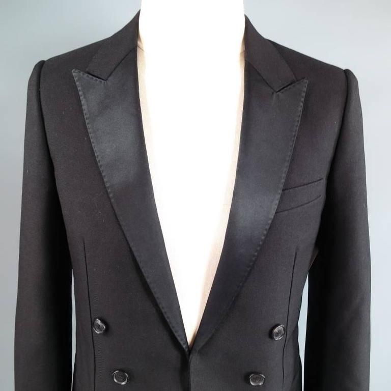 DIOR HOMME by HEDI SLIMANE 38 Short Black Wool Tuxedo 6 Button Coat Tail Jacket In Excellent Condition For Sale In San Francisco, CA