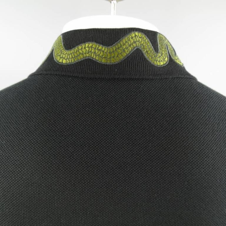 ab439cdb GUCCI Size S Black Pique Green Snake & Gold Bee Applique Collar POLO For  Sale 1