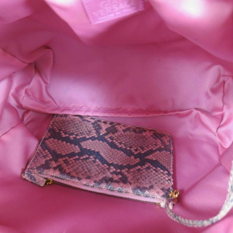 GIANNI VERSACE Metallic Pink Python Gold Leather Knot Handle Bag For Sale 2