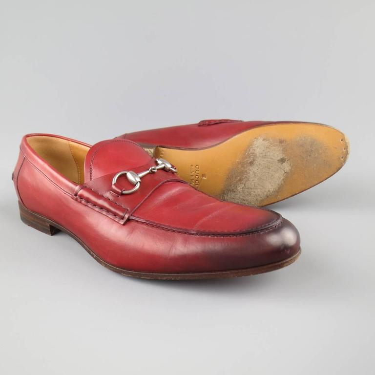 Brown Men's GUCCI Size 10 Brick Red Ombre Leather Silver Horsebit Loafers For Sale