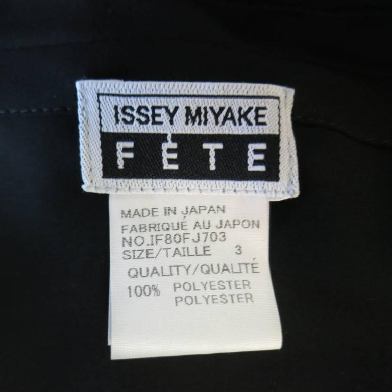 ISSEY MIYAKE Size L Black Asymmetrical Pleated Chiffon Blouse For Sale 4