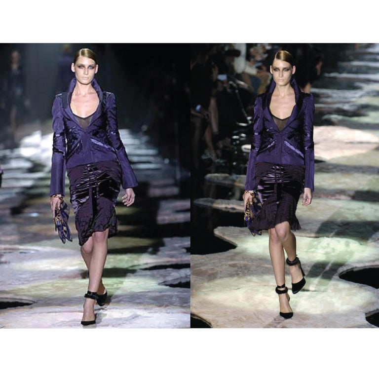 3200c3010e77 GUCCI by TOM FORD 4 Purple Silk Velvet Fall 2004 Final Collection Skirt  Suit In New