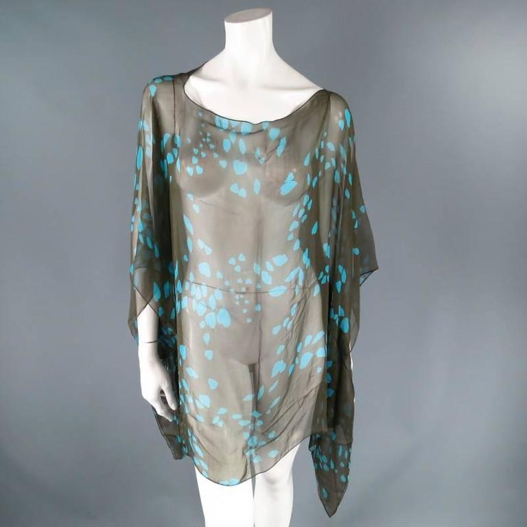 Yves Saint Laurent Green and Blue Lip Print Chiffon Scarf Shawl Top In Excellent Condition For Sale In San Francisco, CA