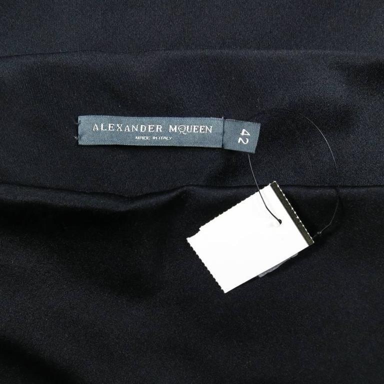 ALEXANDER MCQUEEN Size 6 Black Silk Moon Print Belt Strap Blouse For Sale 5