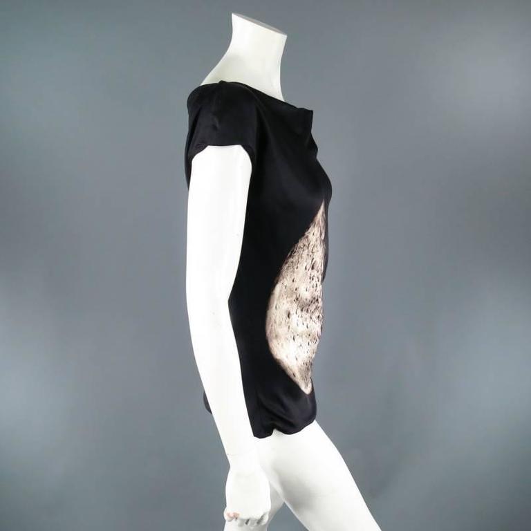 ALEXANDER MCQUEEN Size 6 Black Silk Moon Print Belt Strap Blouse For Sale 4