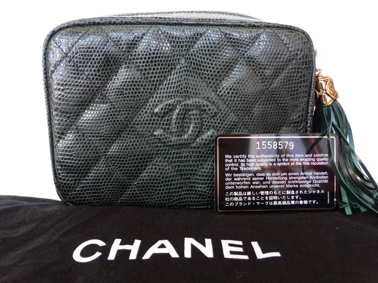 1990s Chanel Green Lizard Skin Quilted Shoulder Bag  10