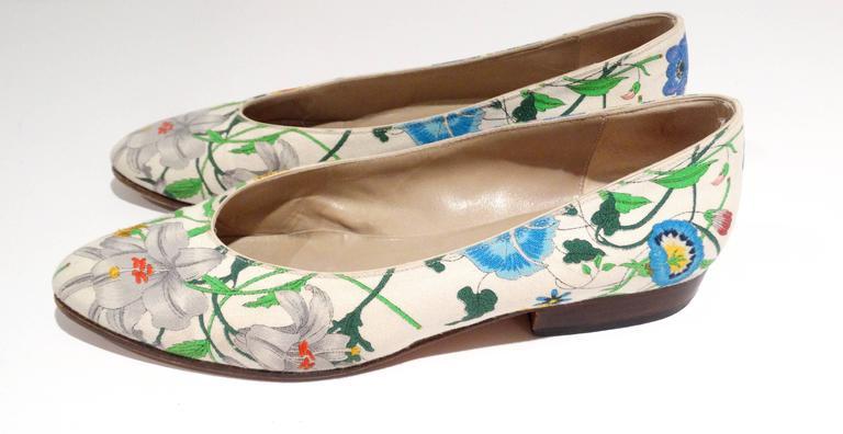 """1980s Gucci """"Flora"""" Print Flats  8"""