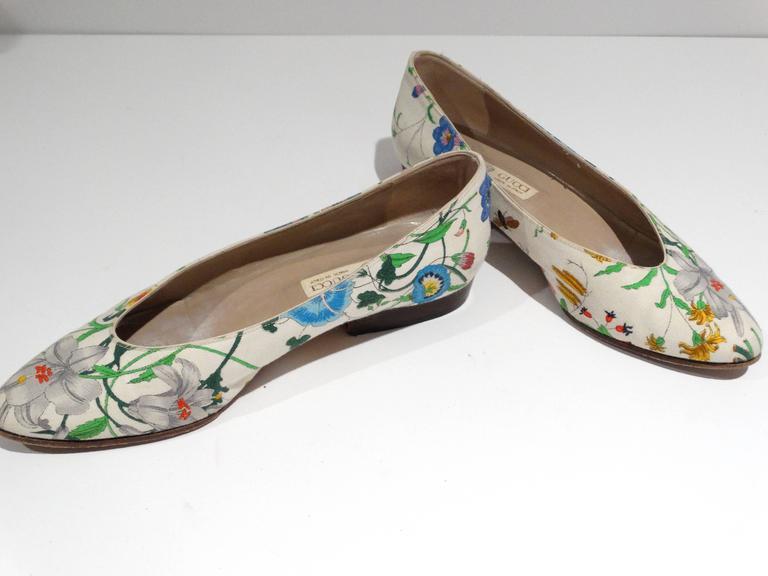 """1980s Gucci """"Flora"""" Print Flats  5"""