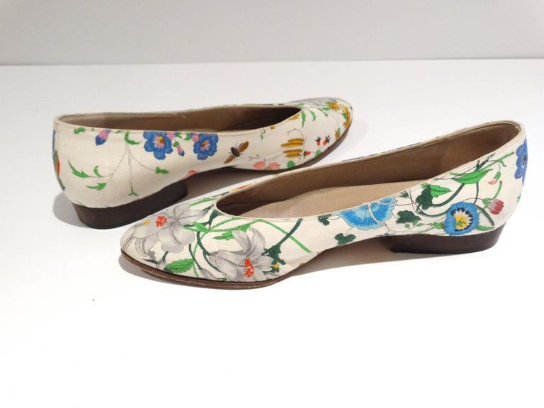 """1980s Gucci """"Flora"""" Print Flats  10"""
