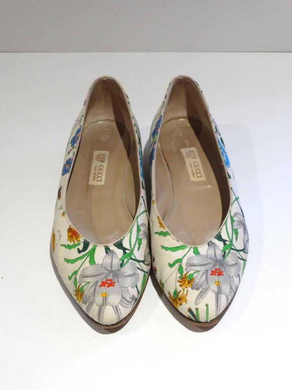 """1980s Gucci """"Flora"""" Print Flats  3"""