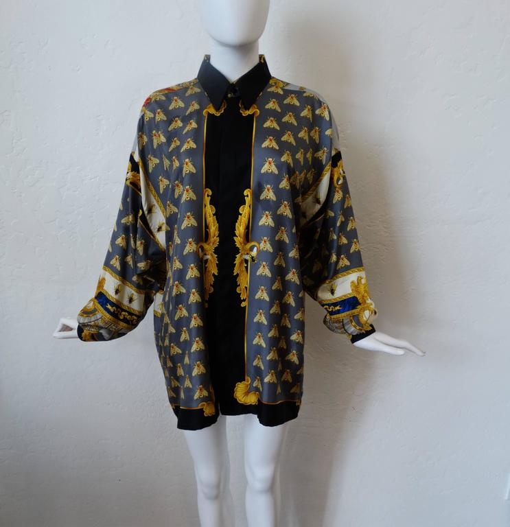 """Women's or Men's 1990s Gianni Versace """"Imperial Throne """" Print Silk Blouse For Sale"""