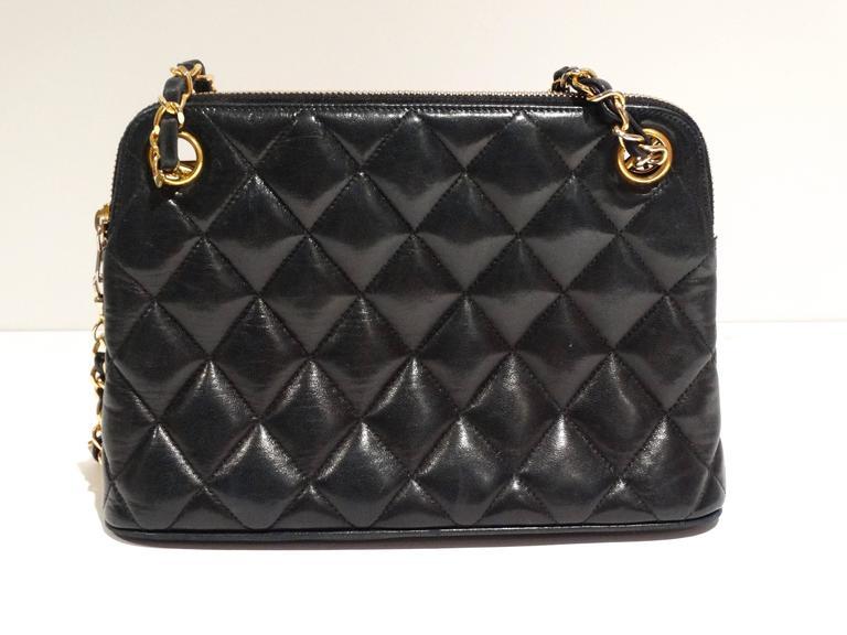 Women's 1980s Chanel 31 Rue Navy Shoulder Bag For Sale