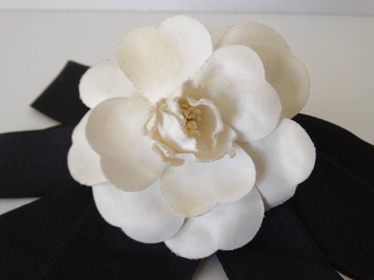 Classic 1980s Chanel White Camellia Flower Hair Barrette 4