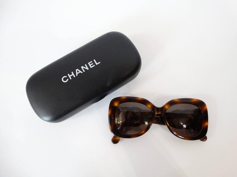 1990s Chanel Tortoise Shell Mod Sunglasses  For Sale 1