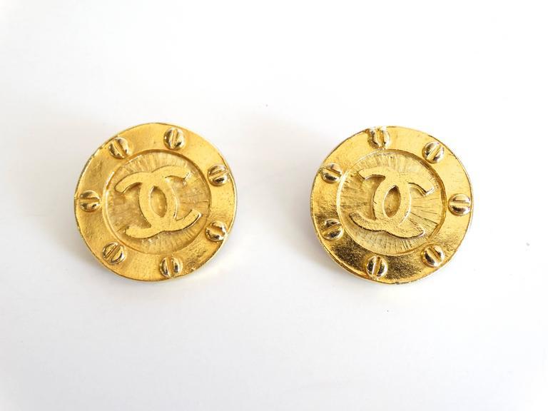 1980s Chanel Gold CC Earrings 3