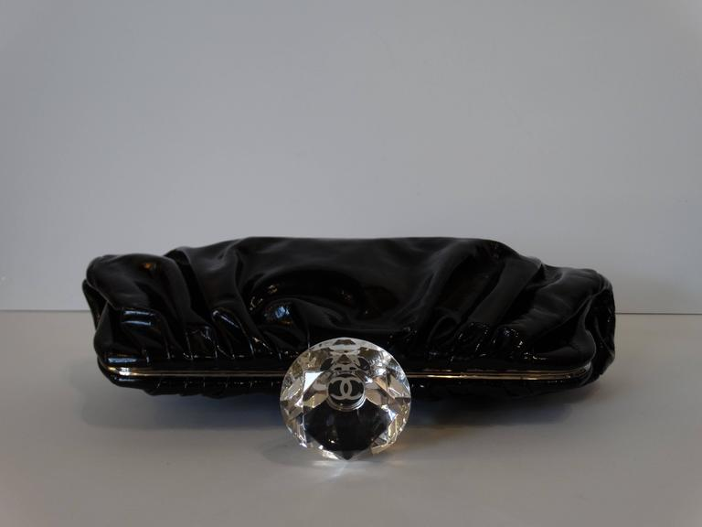 2000s Chanel Diamond Patent Leather Clutch For Sale 3