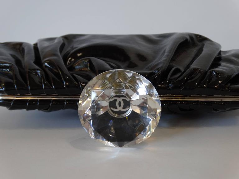 2000s Chanel Diamond Patent Leather Clutch For Sale 4