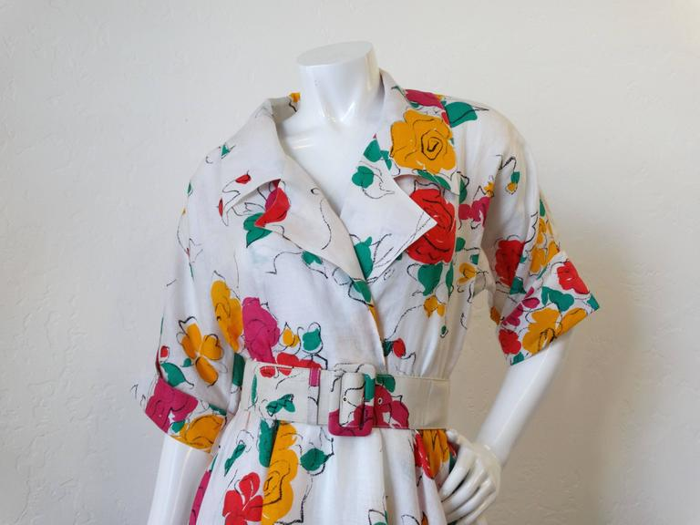 88bfdaa3e9e Gray Beautiful 1980s Gucci Floral Linen Dress For Sale