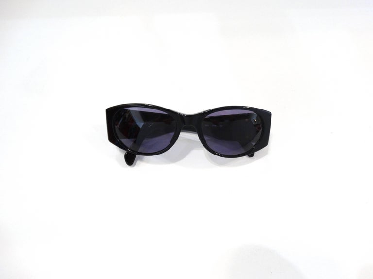 1980s Yves Saint Laurent Black & Gold Heart Sunglasses  In New Never_worn Condition For Sale In Scottsdale, AZ