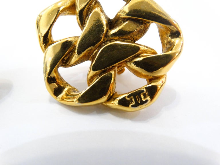1980s Chanel Gold Chain Clip On Earrings For Sale 3