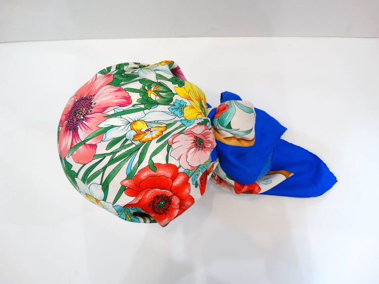 1970s Gucci Floral Silk Scarf For Sale 1
