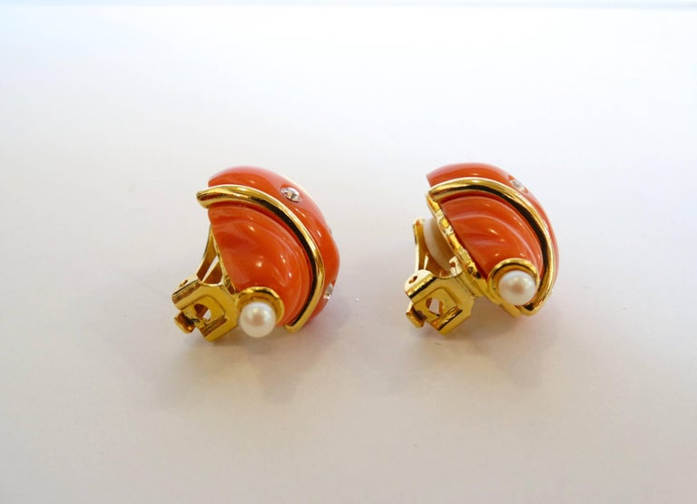 Kenneth Jay Lane Coral Shell Clip Earrings Coral G8MiFT5AB