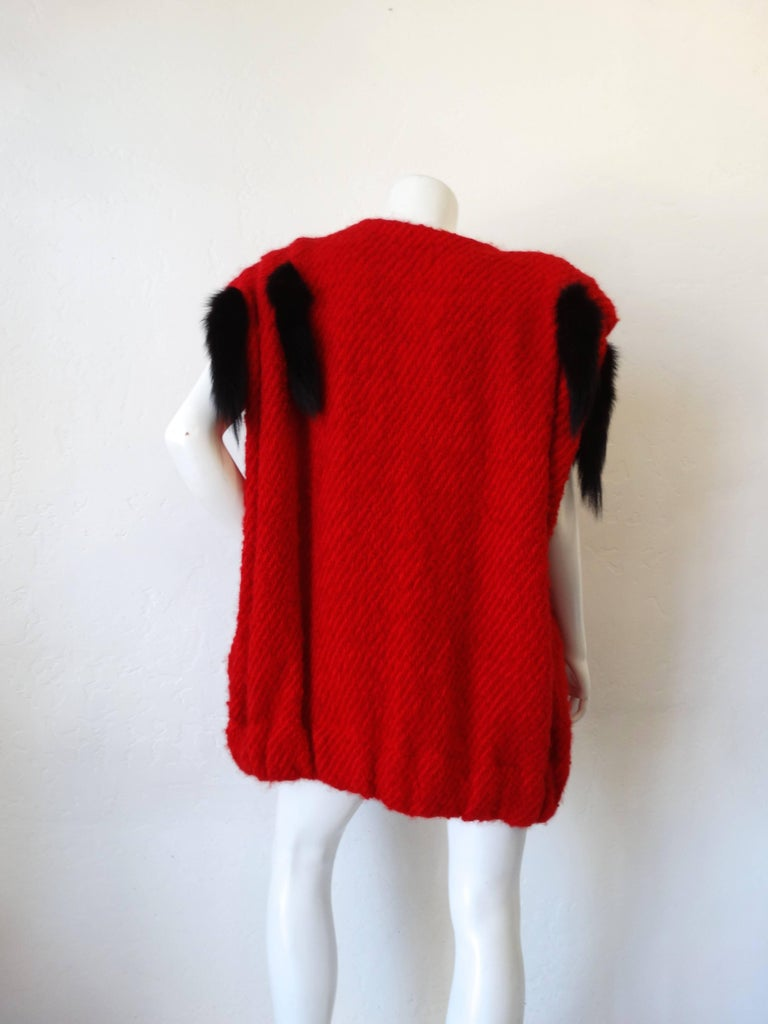 Women's 1980s Silver Lining Red Knit Mink Tail Vest For Sale