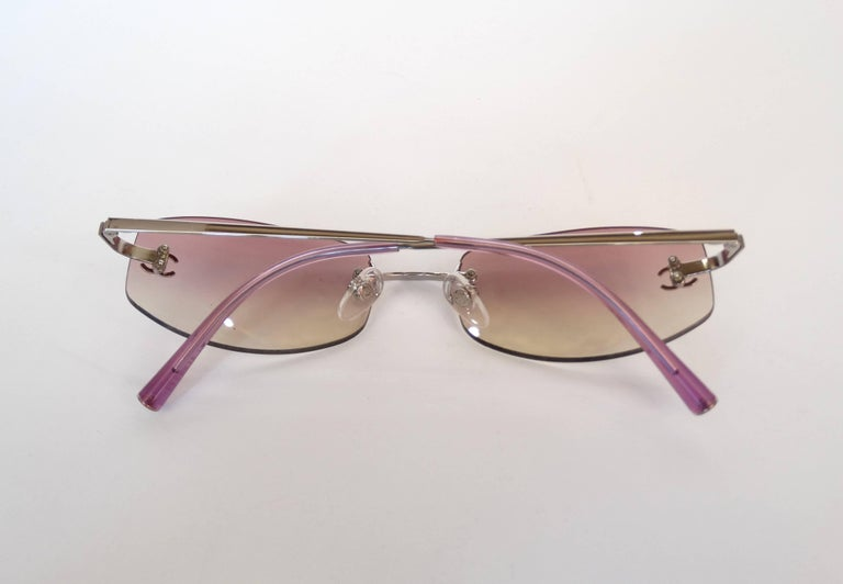 889225b560 2000s Chanel Pink Ombre Sunglasses In Excellent Condition For Sale In  Scottsdale