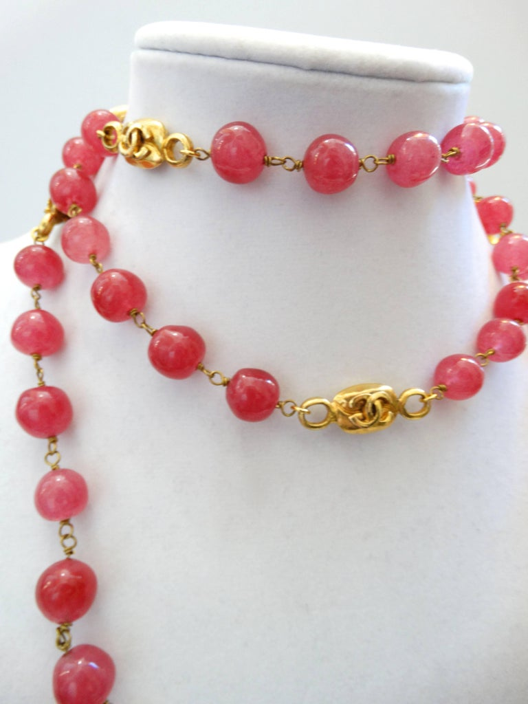 Chanel Pink Gripoix Necklace, 1997   For Sale 2