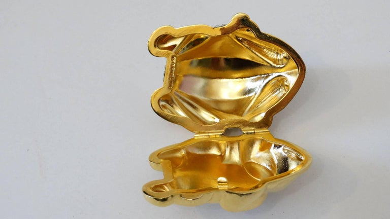 Beige Judith Leiber Frog Pillbox, 1984   For Sale