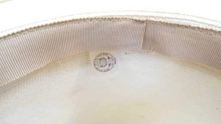 Panama style Ivory Straw Boater Hat, 1970s In Excellent Condition For Sale In Scottsdale, AZ
