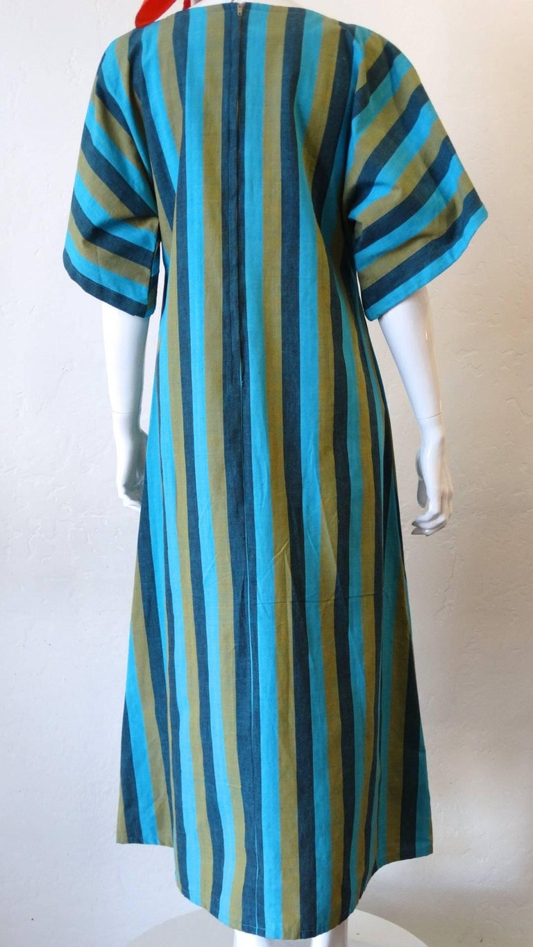 1970s Floral Embroidered Striped Cotton Kaftan  For Sale 4