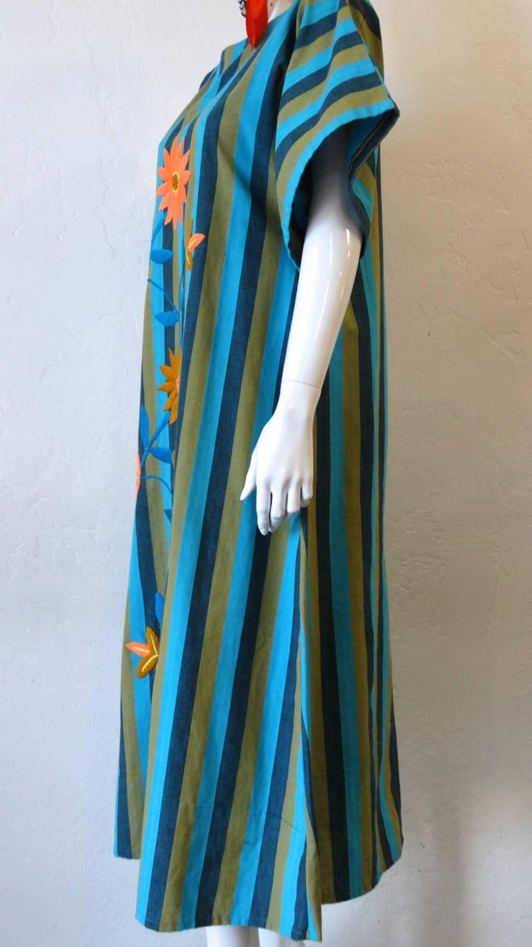 1970s Floral Embroidered Striped Cotton Kaftan  For Sale 3
