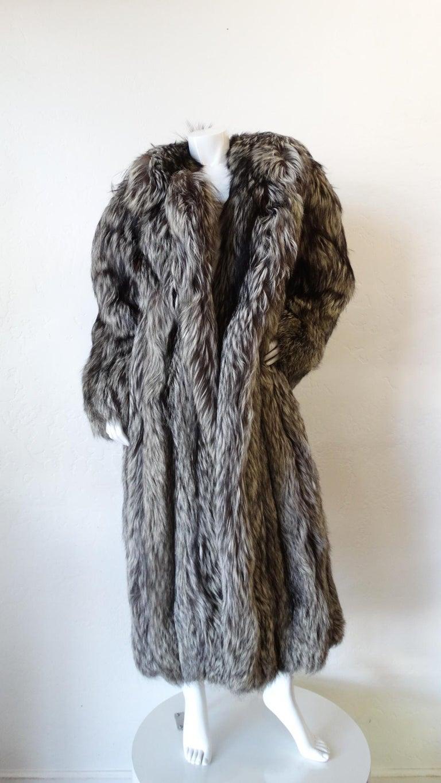 Rare 1980s James Galanos Silver Fox Fur Coat  For Sale 12