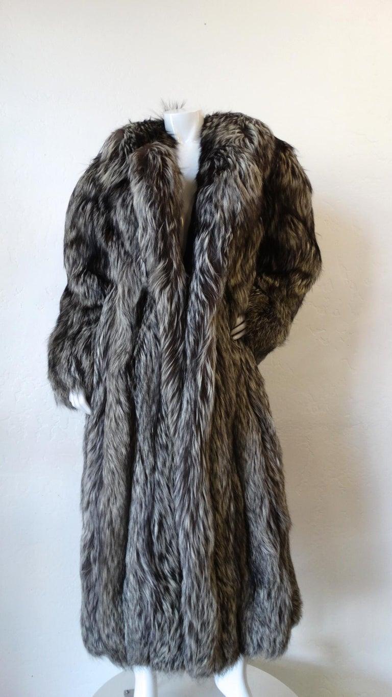 Rare 1980s James Galanos Silver Fox Fur Coat  For Sale 7