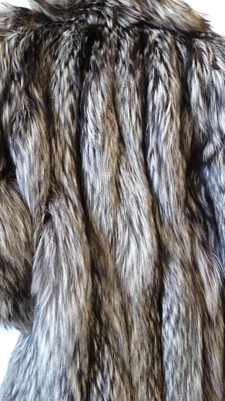 Rare 1980s James Galanos Silver Fox Fur Coat  For Sale 10