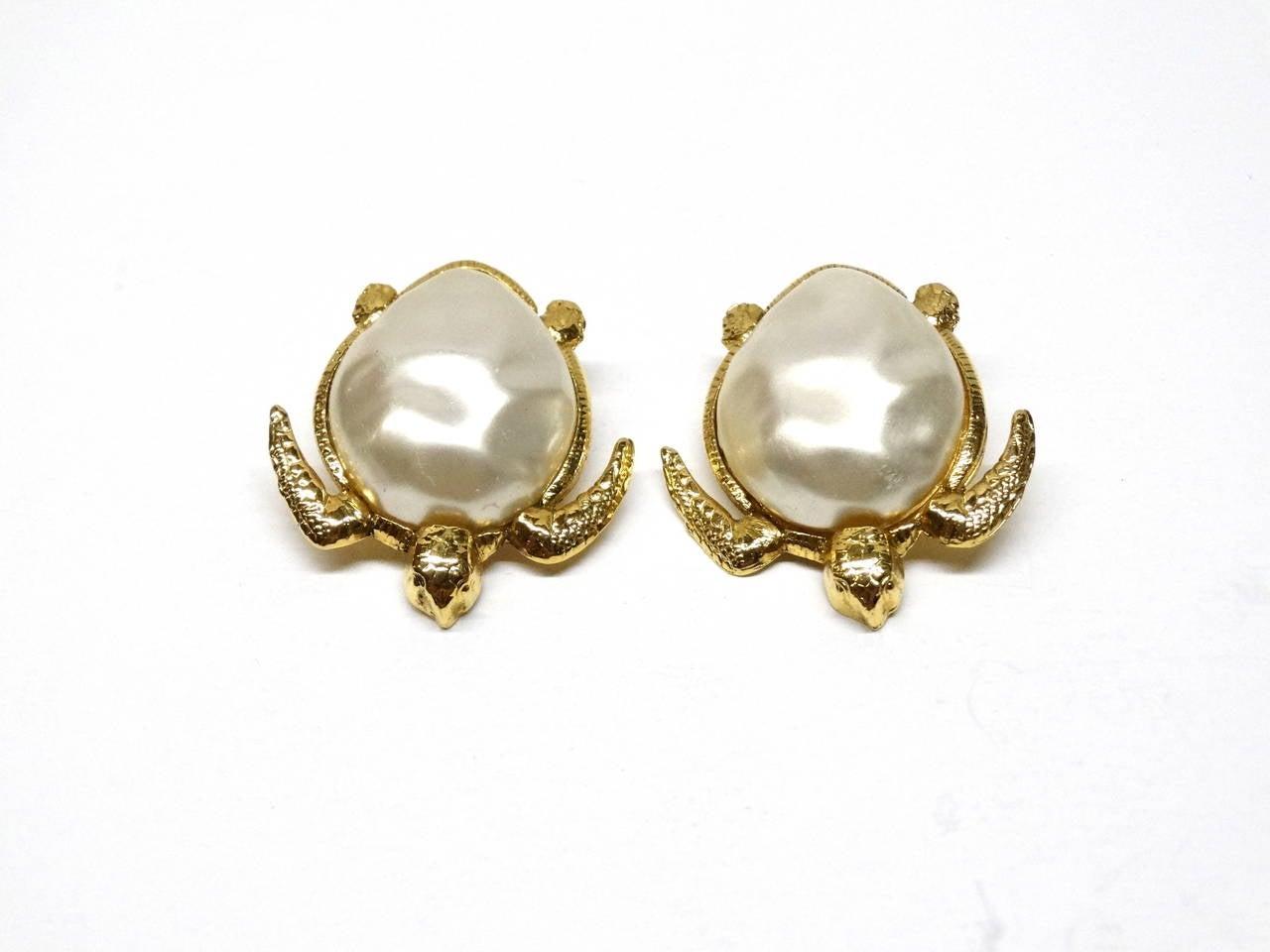 1980's Chanel Pearl Sea Turtle Earring 2