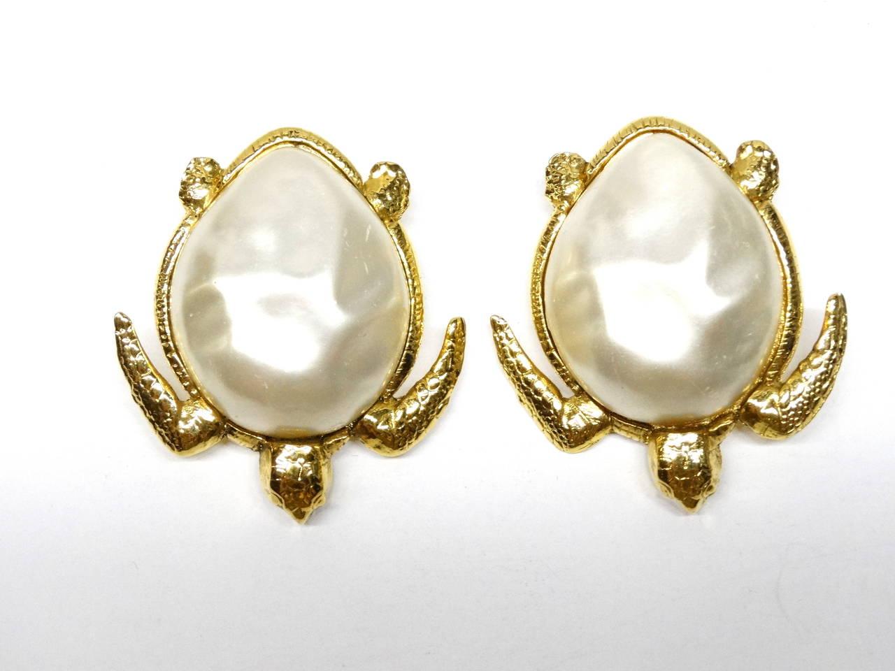 1980's Chanel Pearl Sea Turtle Earring 4