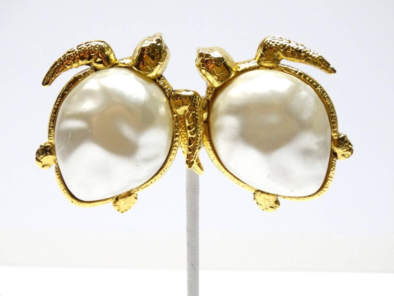 1980's Chanel Pearl Sea Turtle Earring 3