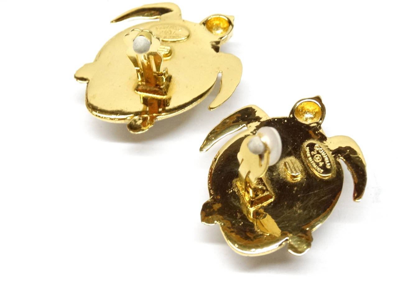 1980's Chanel Pearl Sea Turtle Earring For Sale 2