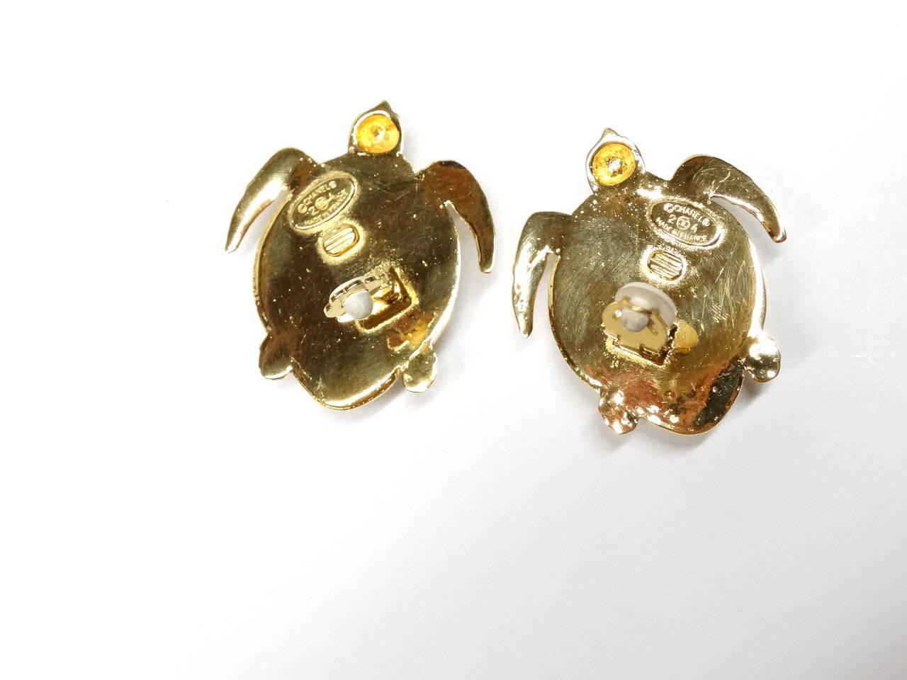 1980's Chanel Pearl Sea Turtle Earring 8