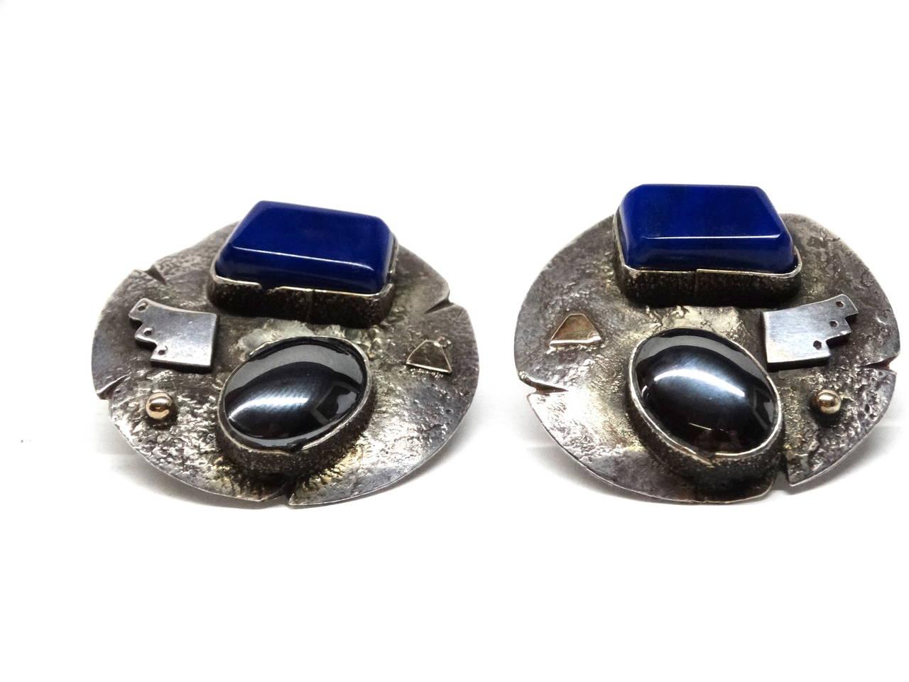Women's 1980s Jolene A Eustace Cochiti Zuni 925/14K Gold Lapis Earrings For Sale