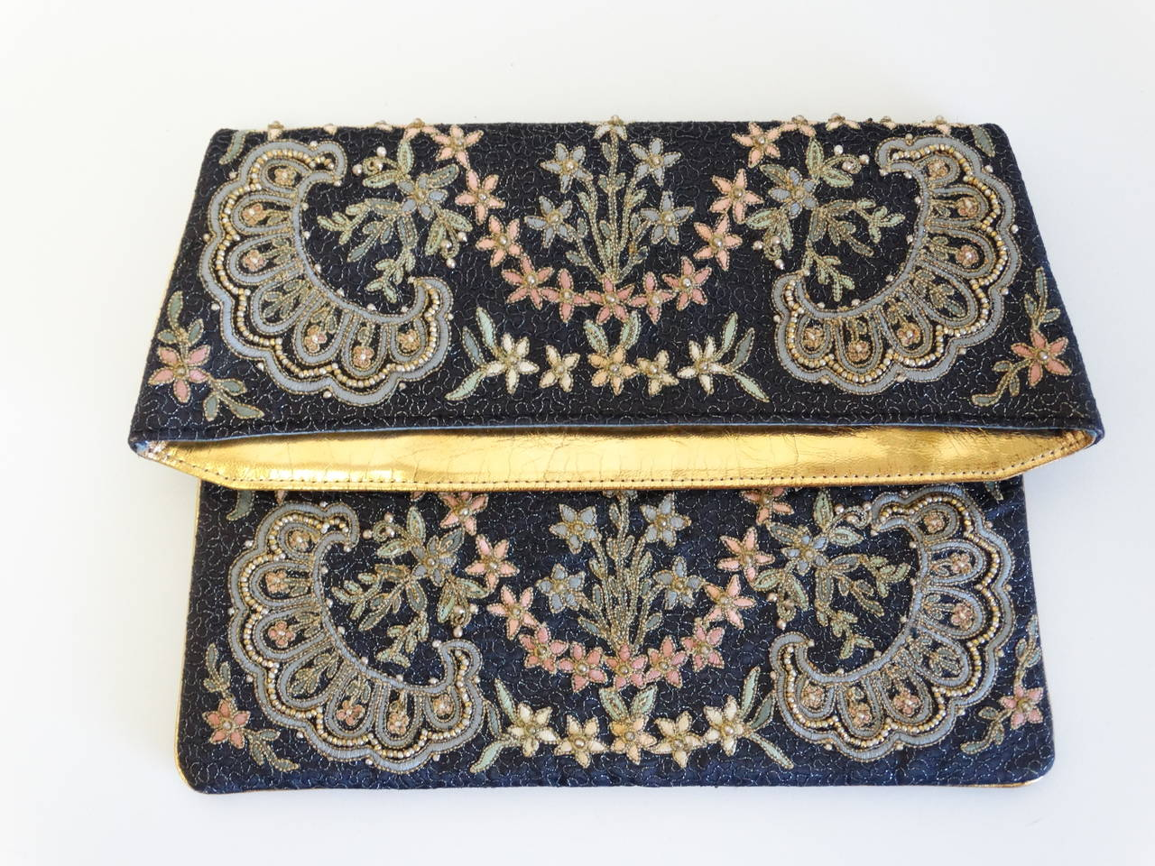 1950s Marheta Embroidered Fold Over Hand Clutch 4