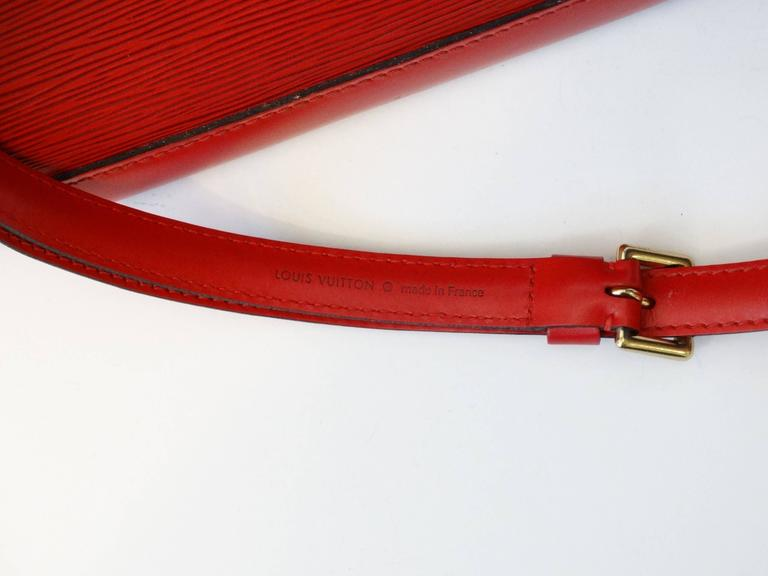 1990s Louis Vuitton Epi Alma PM Castilian Red Handbag  For Sale 3
