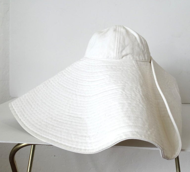 1990s Chanel White Oversized Sun Hat  For Sale 4