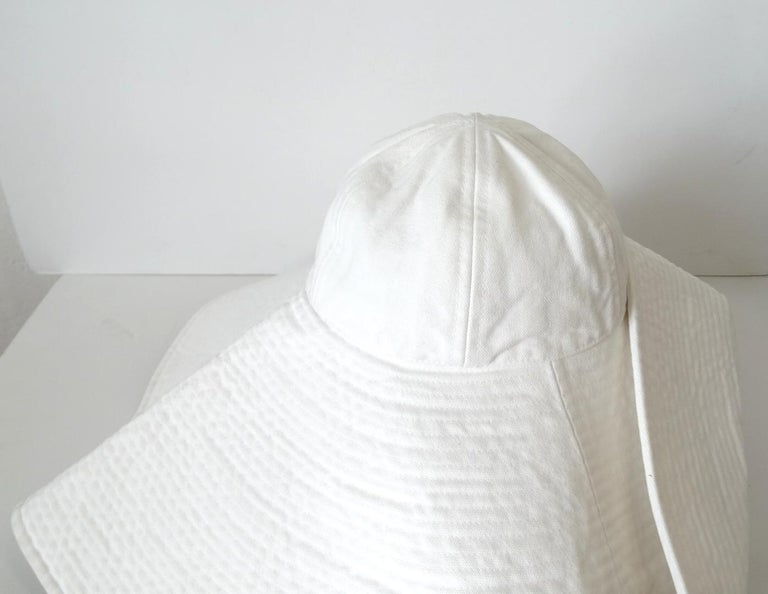 1990s Chanel White Oversized Sun Hat  For Sale 3