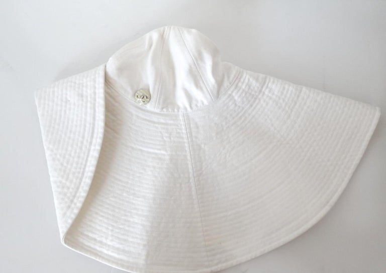 1990s Chanel White Oversized Sun Hat  For Sale 11