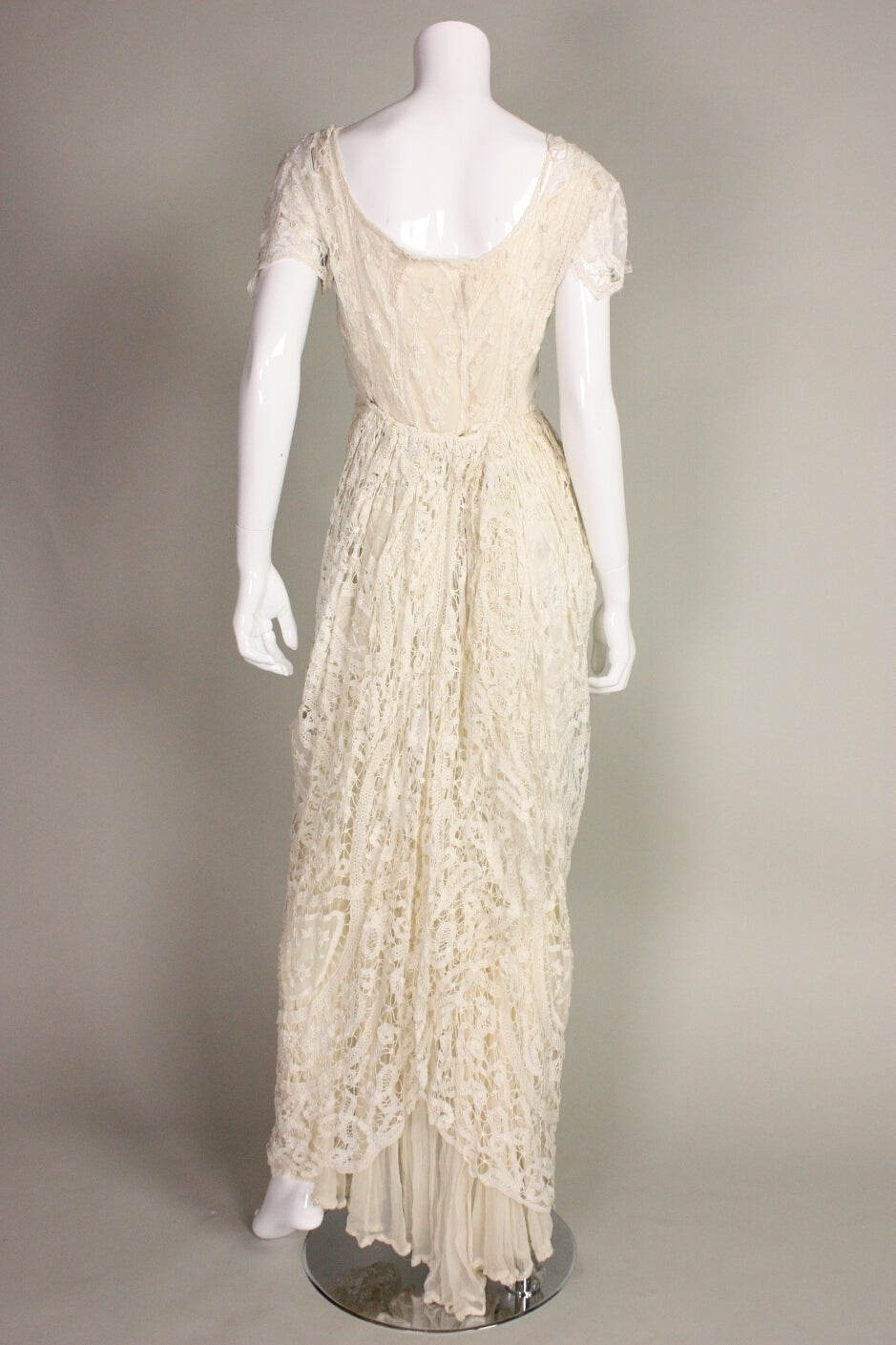Edwardian Battenburg Lace Dress In Excellent Condition For Sale In Los Angeles, CA