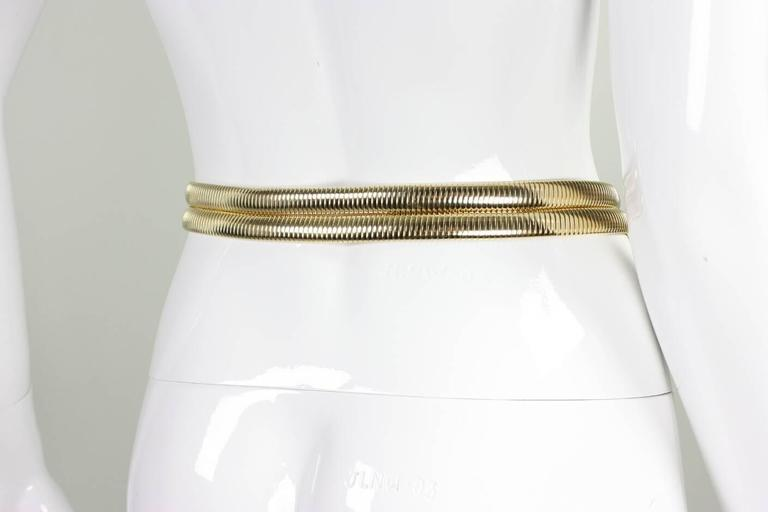 Judith Leiber Belt with Crystals and Cabochons In Excellent Condition For Sale In Los Angeles, CA